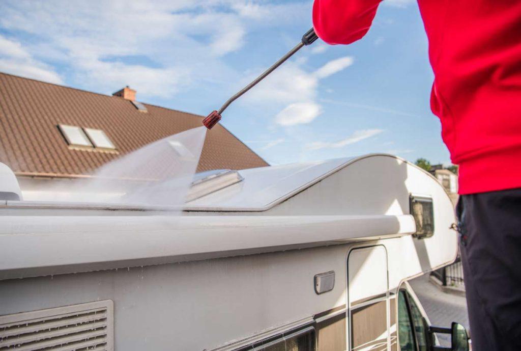 womo reinigung Ratgeber: Caravan und Wohnmobil winterfest machen